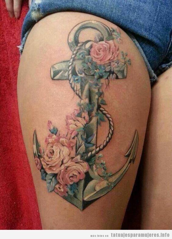 Tatuaje para mujer en las piernas, ancla en el muslo