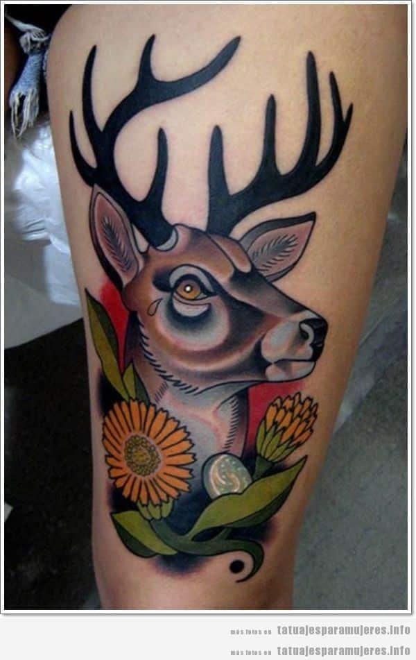 Tatuaje para mujer, ciervo y flores en el muslo