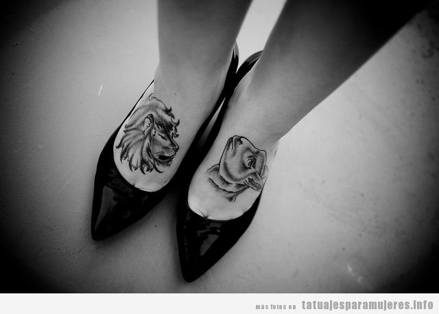 Tatuaje león y leona en el empeine