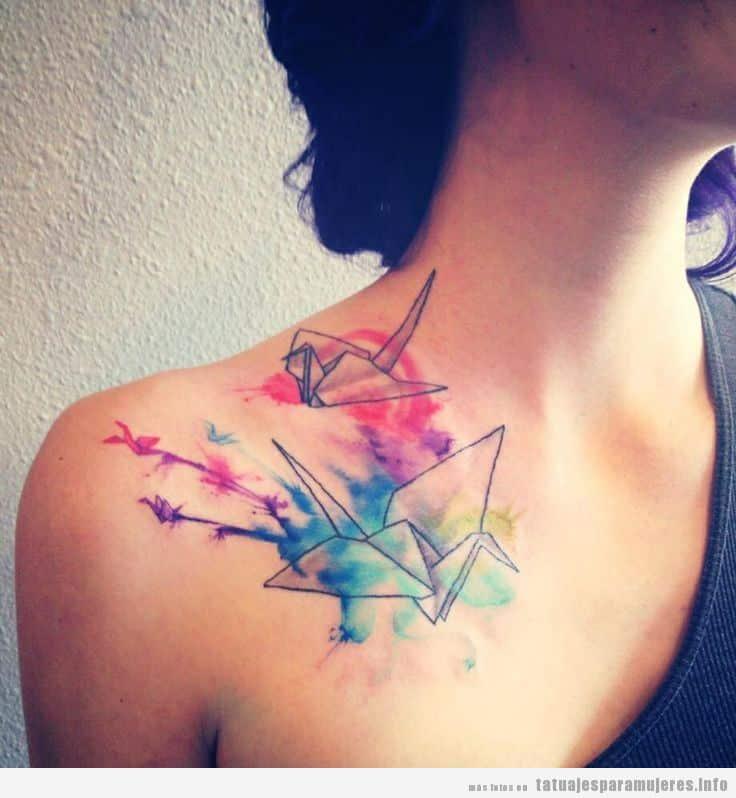 Tatuajes mujer pájaro papiroflexia u origami