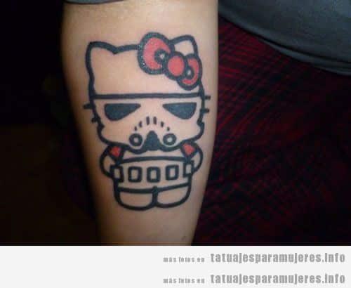 Tatuaje friki del videojuego Hello Kitty soldado imperial para mujer