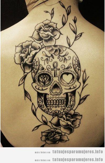 Diseño de tatuajes oscuros y góticos para mujer, calavera