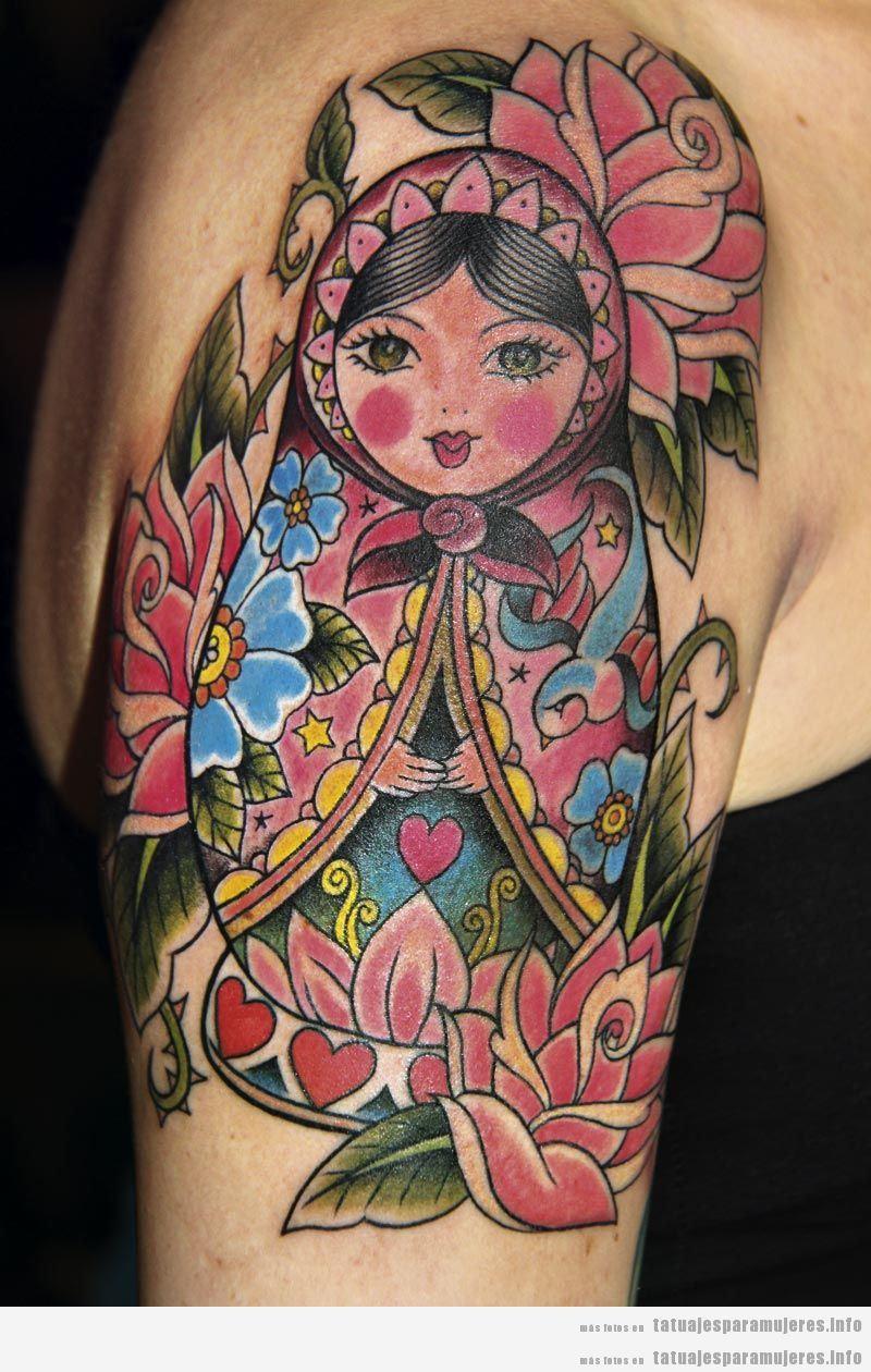 Tatuajes muñeca rusa matrioska para mujer en hombro 5