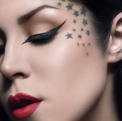 Tatuaje en la cara de Kat Von D