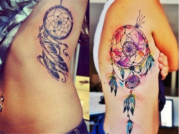 Tatuajes mujer atrapasueños en el costado