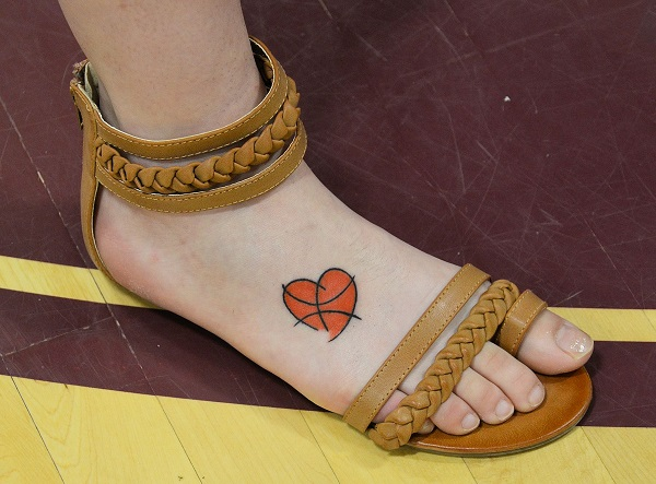 Tatuajes de baloncesto para mujer 3