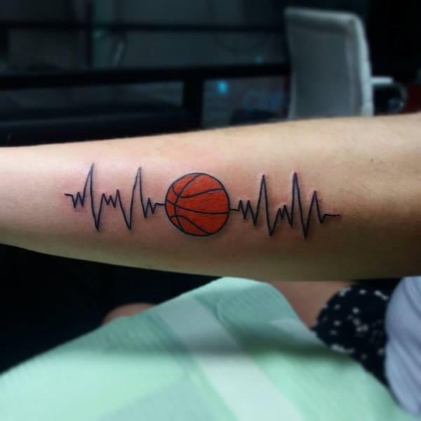 Tatuajes de baloncesto para mujer 13