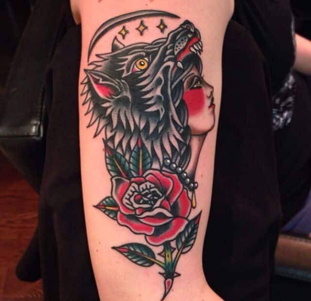 Tatuaje mujer cabeza lobo 4