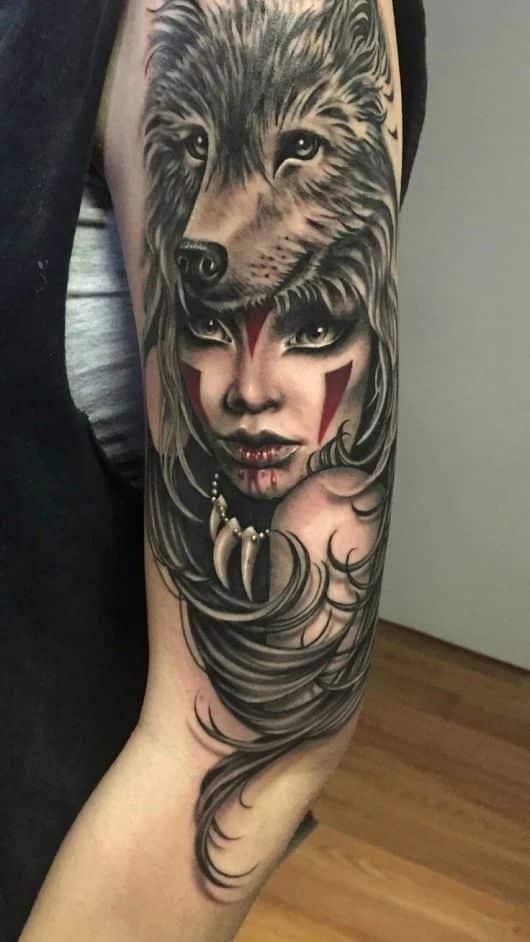 Tatuaje mujer cabeza lobo 3