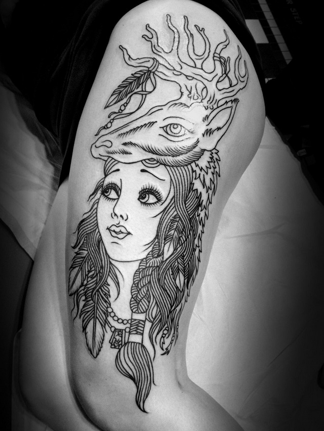 Tatuaje mujer cabeza cabra