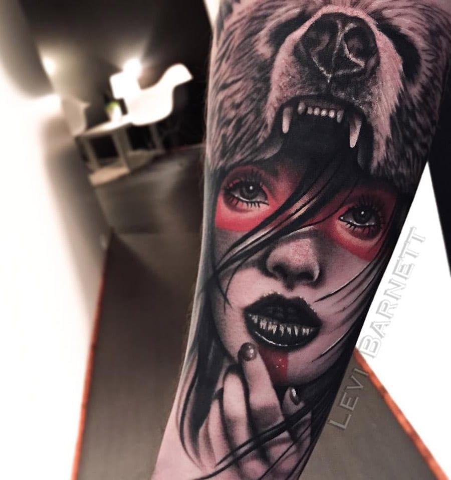 Tatuaje mujer cabeza oso