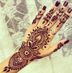 Tatuaje henna mano 3