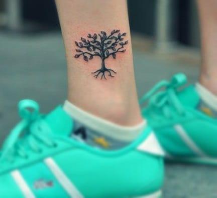 Tatuajes del árbol de la vida el tobillo 2